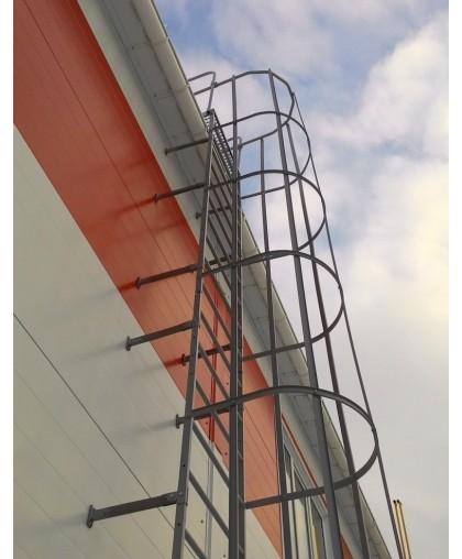 Металлическая лестница вертикального типа - 3